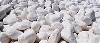 砂利や石を敷きたい